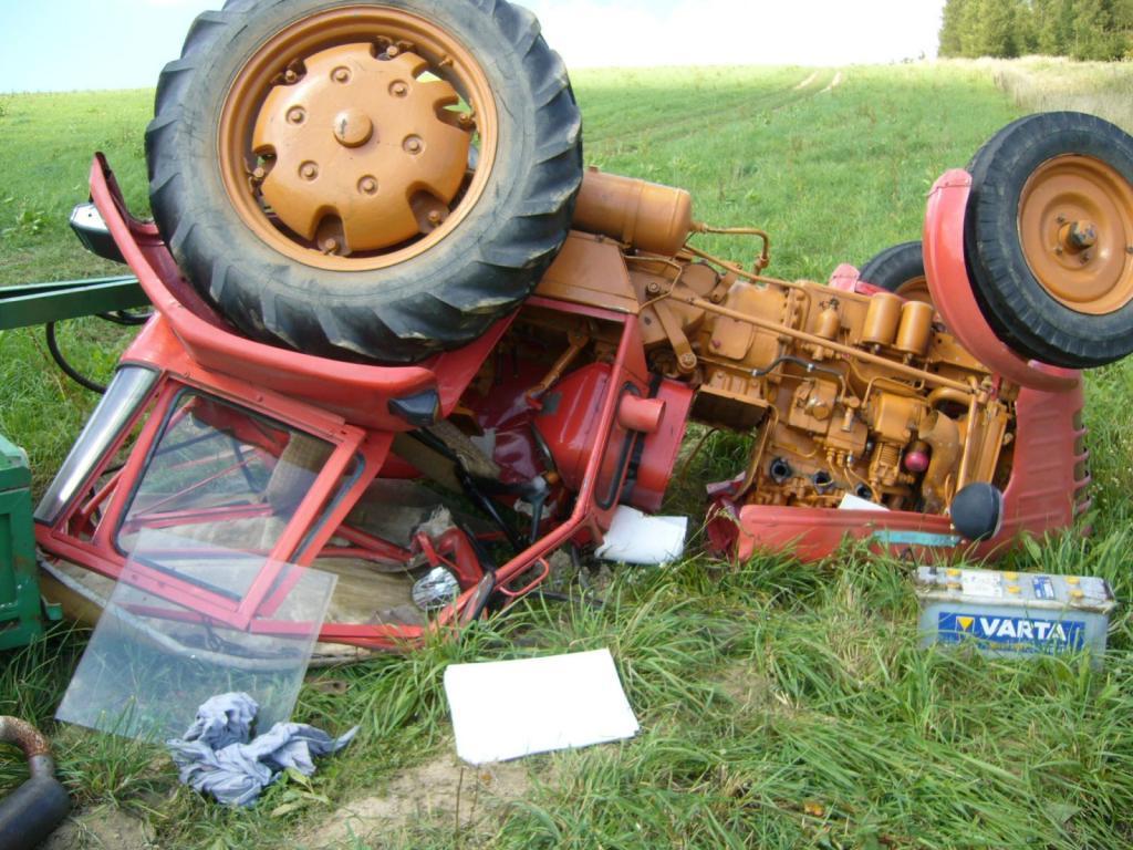 nasetraktory � zobrazit t233ma nehody traktor218