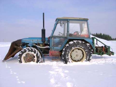 Prodám traktor ZETOR 6945 - Prodám ZETOR 69 45,motor 72,čelní ...