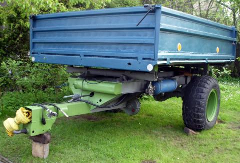 Prodám jednoosý vlek za traktor
