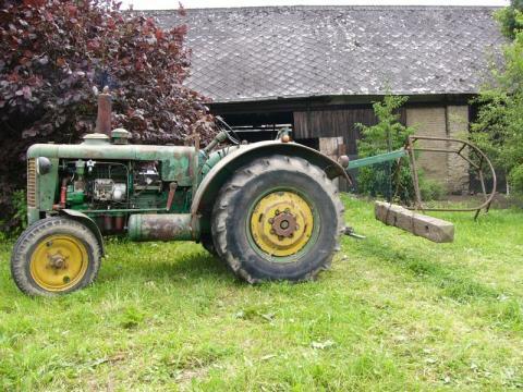 Zetor 50 Super - Prodám Zetor 50 super. Traktor je plně funkční a ...