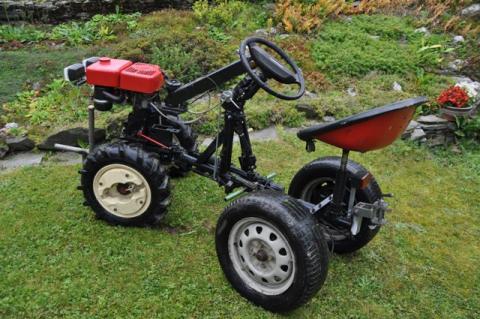 Traktory vari