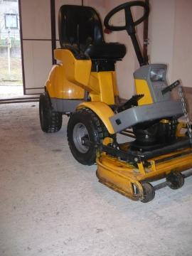 Stiga zahradní traktor