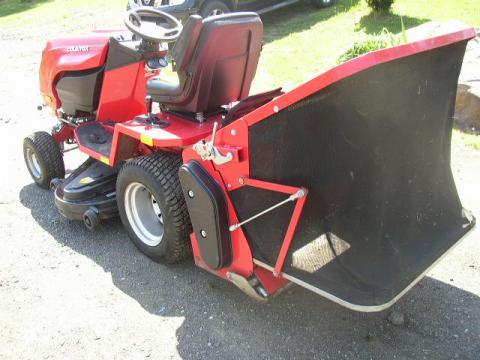 Zahradní traktor countax